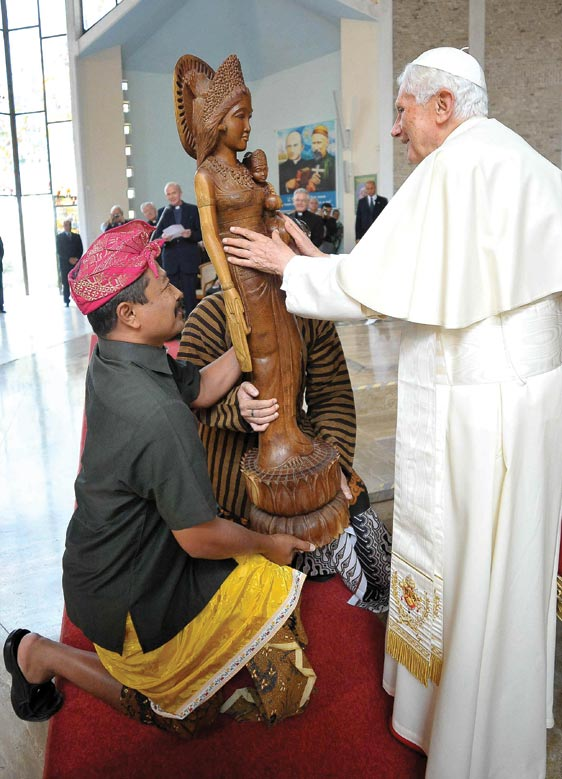 Nemi, Italy Pope receives a gift