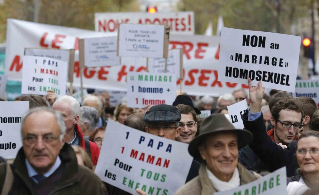Opponents of same-sex marriage demonstrate in Paris November 18. (CNS photo).