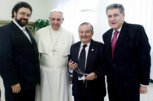 From the left: Claudio Epelman, Pope Francis, Julio Schlosser and his friend Rabbi Abraham Skorka.