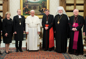 From Finland to Rome (from left to right): the Lutheran Archbishop Maekinen, Pope Francis, Cardinal Koch, the Orthodox Archbishop Leo and the Catholic bishop of the capital, Helsinki, Teemu Sippo.