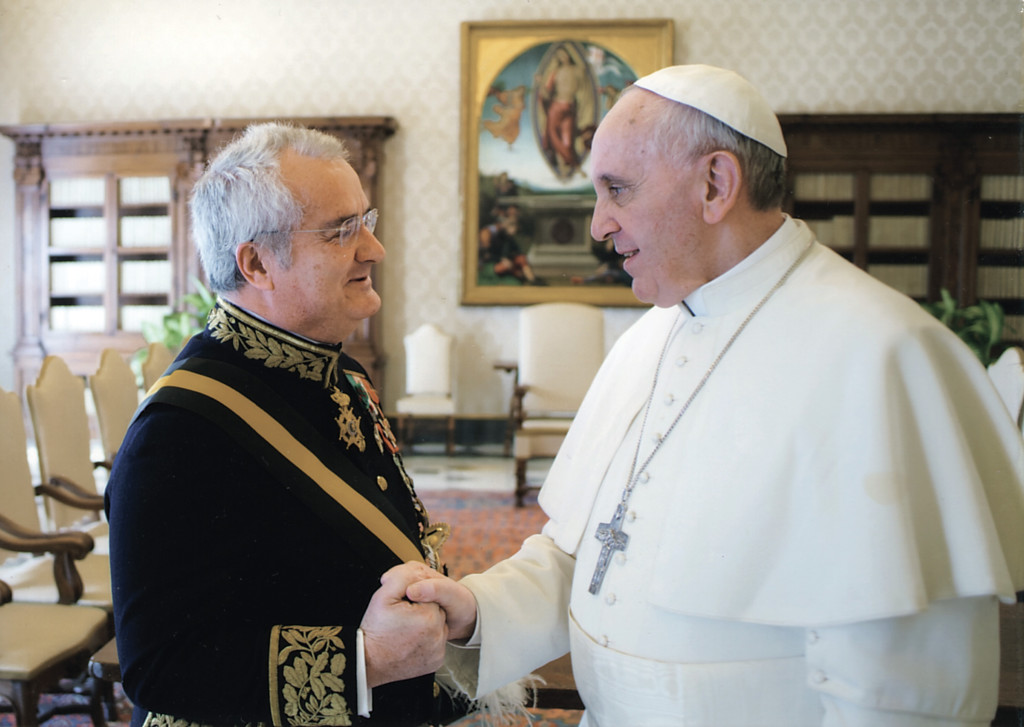 Pope Francis received Portugal's ambassador to the Holy See, António Carlos Carvalho de Almeida Ribeiro, on April 18, 2013, just a month after his election as Pope. The ambassador was presenting his letters of credence to take up his post.