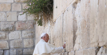 Pope Francis' pilgrimage to the Holy Land on the occasion of the 50th anniversary of the meeting in Jerusalem between Pope Paul VI and Patriarch Athenagoras. Pope Francis' to the Western Wall.
