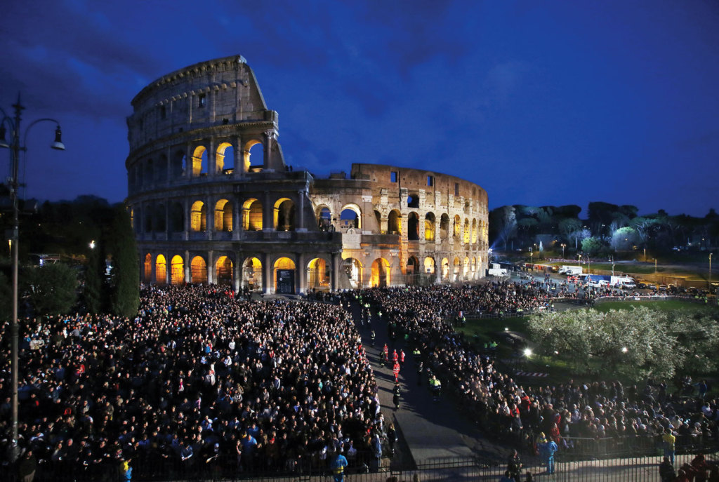 An overview of the ceremony of the Good Friday Way of the Cross in Rome's Colosseum. (Galazka photos)