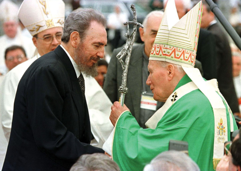 Pope John Paul II greets Cuban President Fidel Castro at the end of Mass in Havana on  January 25, 1998. Of the four public Masses celebrated by Pope John Paul II during his visit, Castro only attended the Havana service. (CNS photo/Reuters)