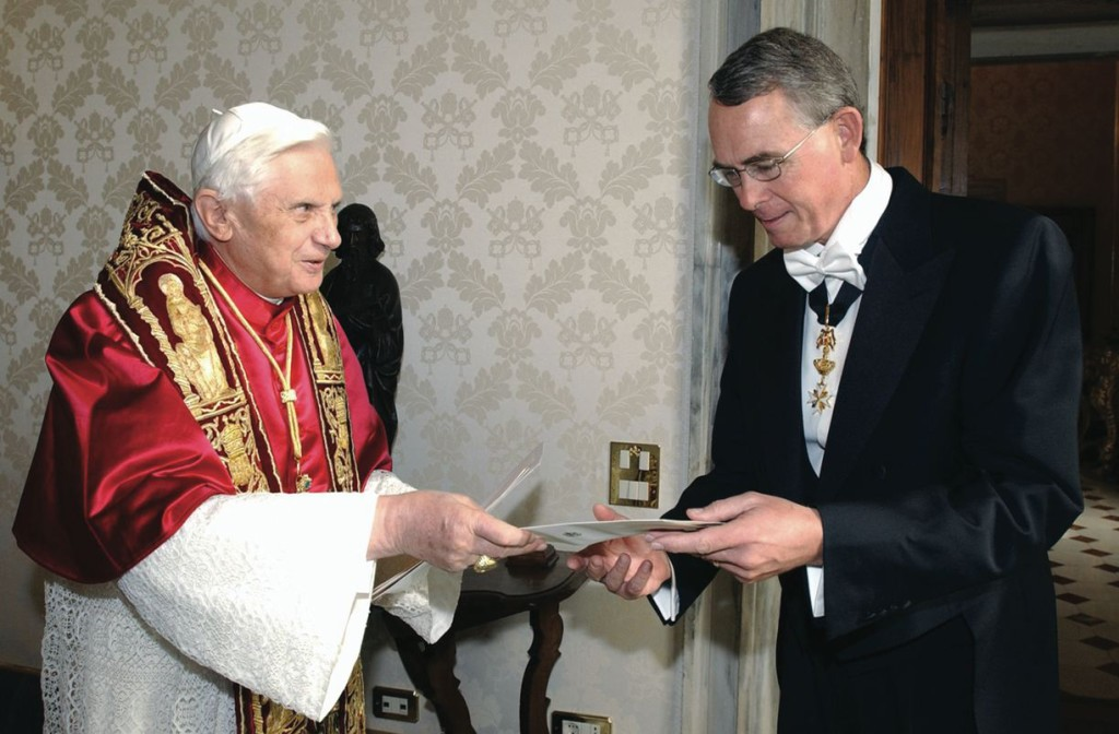 "US ambassador to the Holy See Francis Rooney presents his credentials to Pope Benedict XVI at the Vatican November 12, 2005. Rooney told the Pope the United States ""looks to the Holy See as a partner in efforts to spread peace"" (CNS photo from L'Osservatore Romano)"