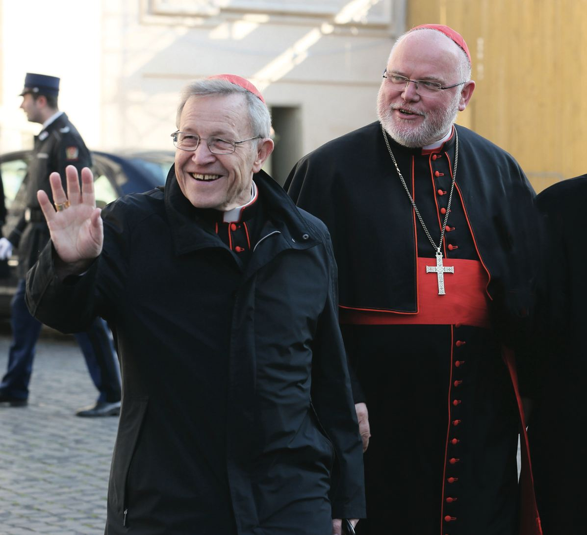"""Above, Cardinal Walter Kasper, promotor of the """"open"""" line in favor of Communion for the remarried, with Cardinal Reinhard Marx, who, as President of the German Bishops' Conference, has claimed that """"we are not a branch office of Rome"""""""