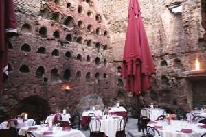 hosteria-antica patio-at-