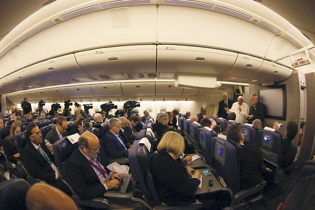 Pope Francis took questions from journalists with him on the papal plane on Sunday night, September 27, flying from Philadelphia back to Rome after his historic trip to the United States and Cuba