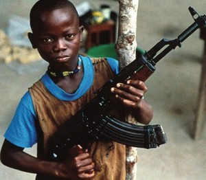 BAMBINO SOLDATO UGANDA dal filmCaso kONI 2012