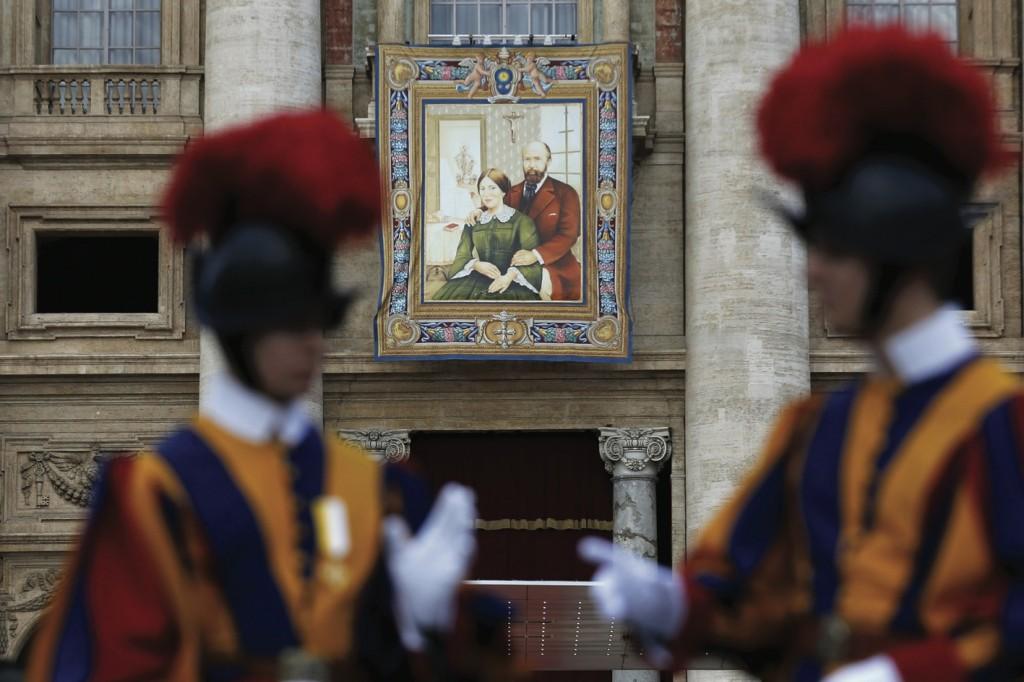 CANONIZAZIONE 20151019T1008-006-CNS-POPE-SAINTS-SERVICE