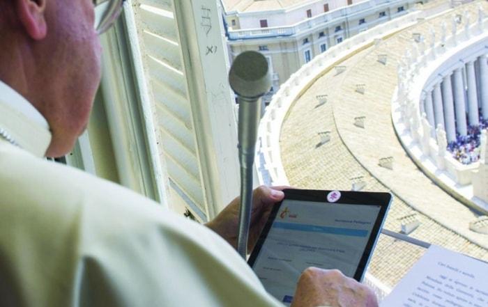 Reorganize Vatican Communications