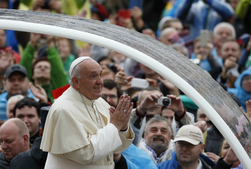 Pope at General Audience: Married Couples, Laity, Models For the Faith